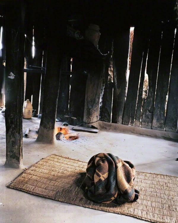 Habitación de Jyoti con su cama en el suelo