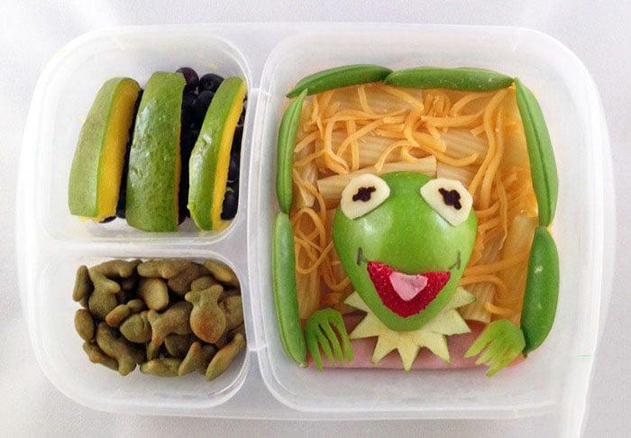 Desayuno con formas y cara de la rana Rene