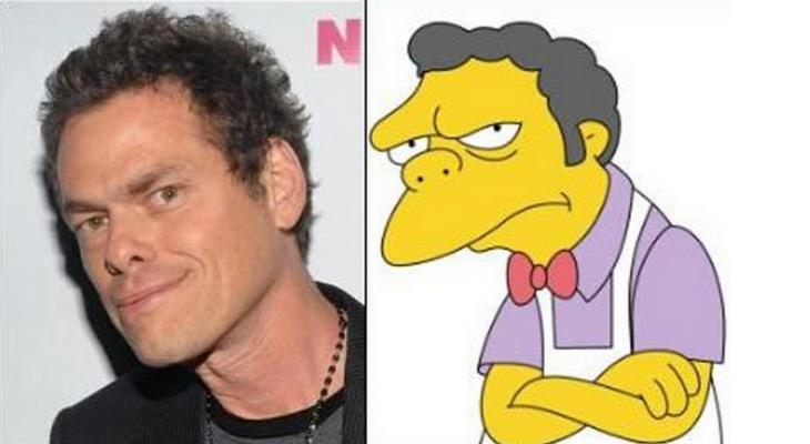 Chico parecido a Moe el personaje de los Simpsons
