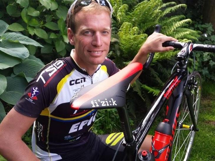 Ciclista que burlo dos veces a la muerte