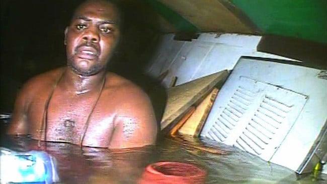 Harrison Okene sobreviviente por 3 días después de que su barco se hundió en el mar