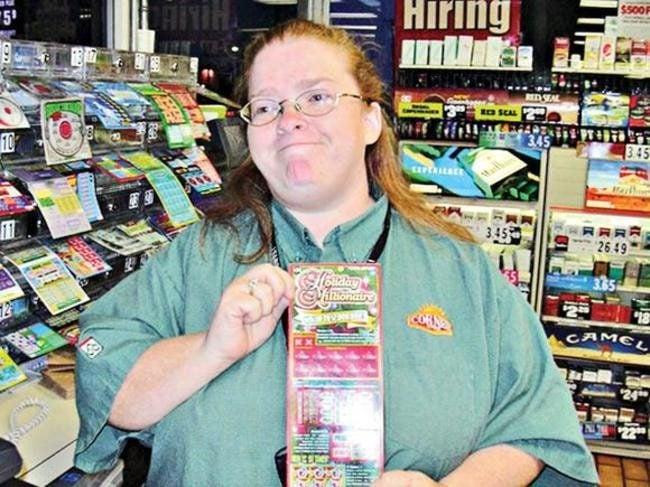 Mujer de texas ganando raspaditos