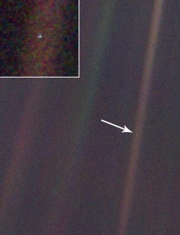 Fotografía de la tierra vista desde el planeta Neptuno