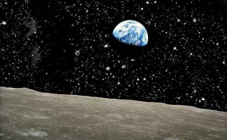 Fotografía que muestra como se ve la tierra desde la luna