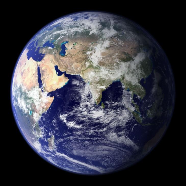 Fotografía del planeta tierra tomada por la NASA