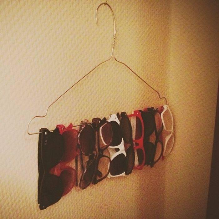 Gancho de la ropa para colgar tus gafas