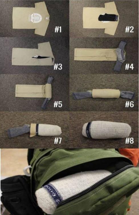 Pasos para guardar tu playera y ropa interior dentro de un calcetín