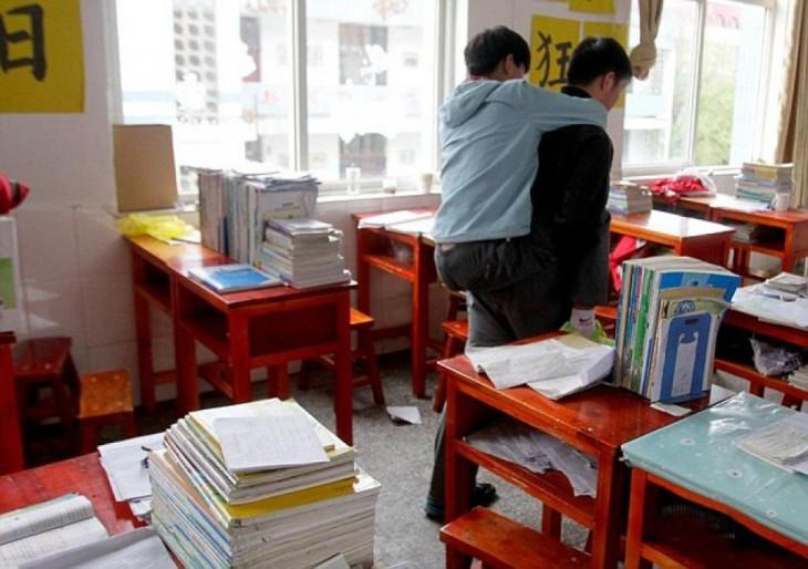 xie lleva a su siguiente clase a zhang