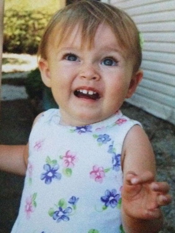 bebé con cara de asco
