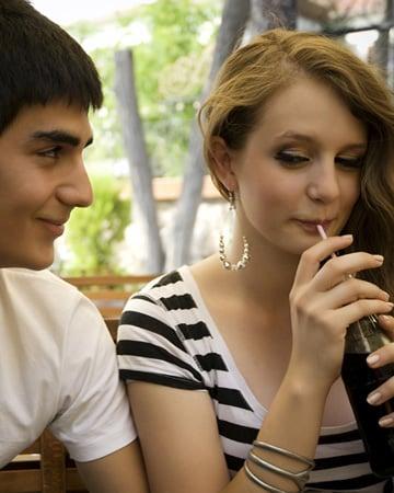 cdn.sheknows.com expert-flirting-tips-vert