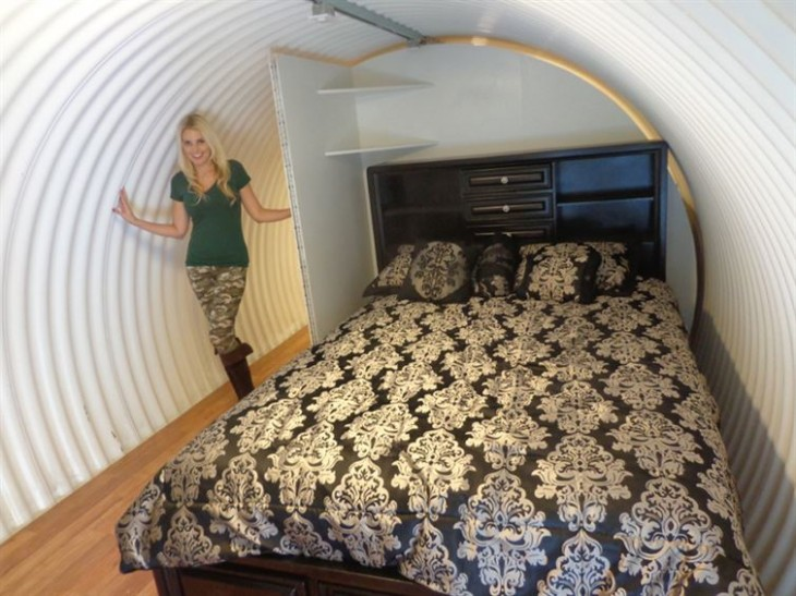 dormitorio bajo tierra