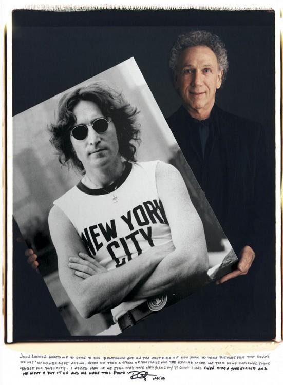 Bob Gruen – John Lennon usando lentes negros