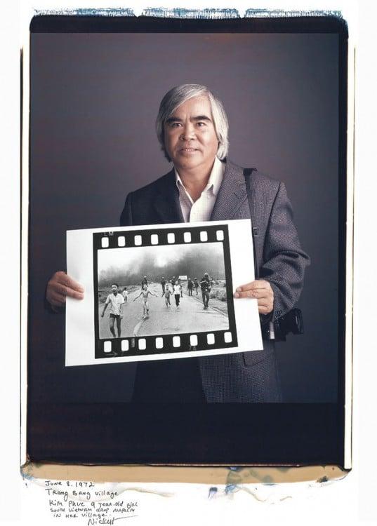Nick Ut:  Junio 8, 1972, pueblo Trang Bang en Vietnam donde tiran bombas de  napalm