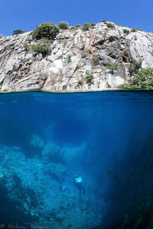 aguas cristalinas ne la costa