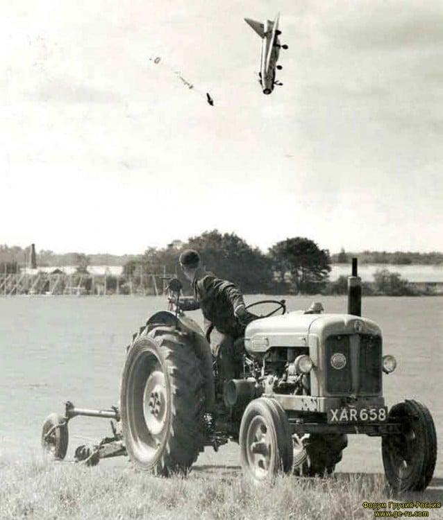 Piloto de prueba George Aird volando el English Electronic Lighting F-1