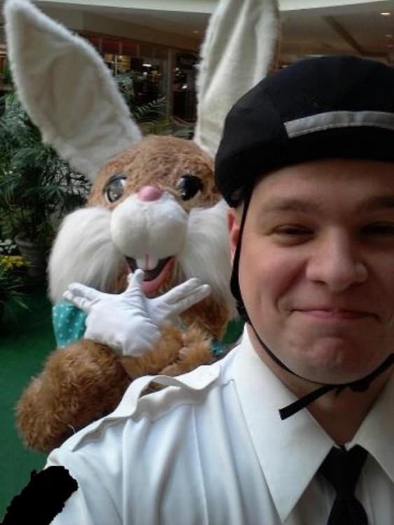 policía se saca selfie