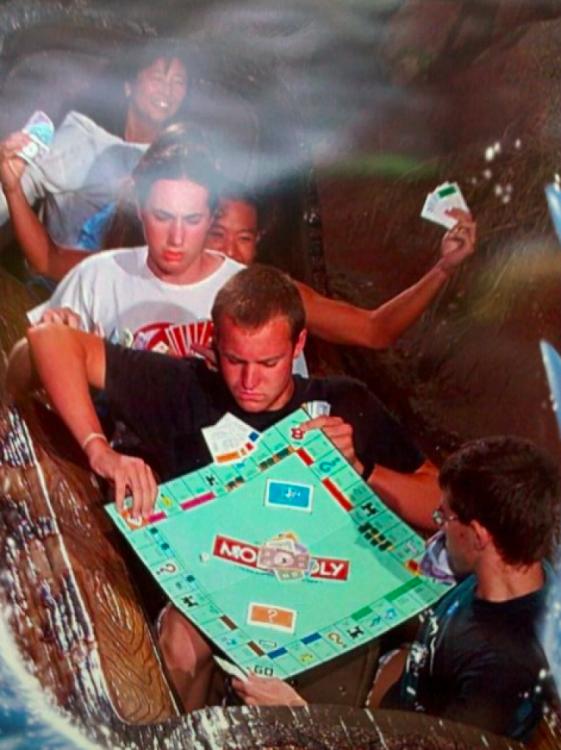 jugando monopolio