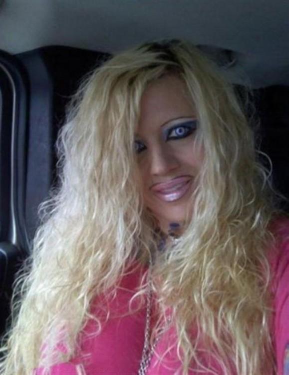epic fails del maquillaje rubia mal delineada