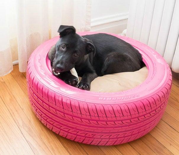 llanta cama para mascota en rosa