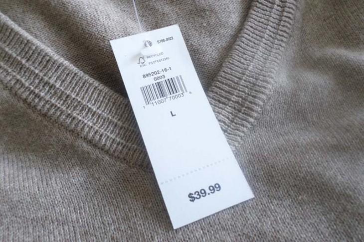 precio del sueter en la etiqueta