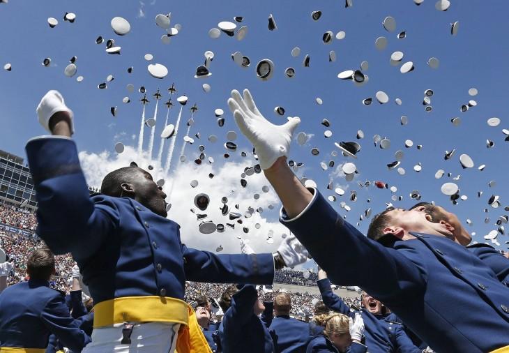 festejo de marines graduados en usa