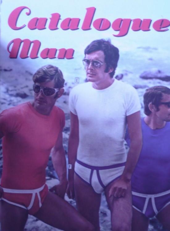 trajes de baño hombres 70 que parecen maás ropa interior que cualquier otra cosa