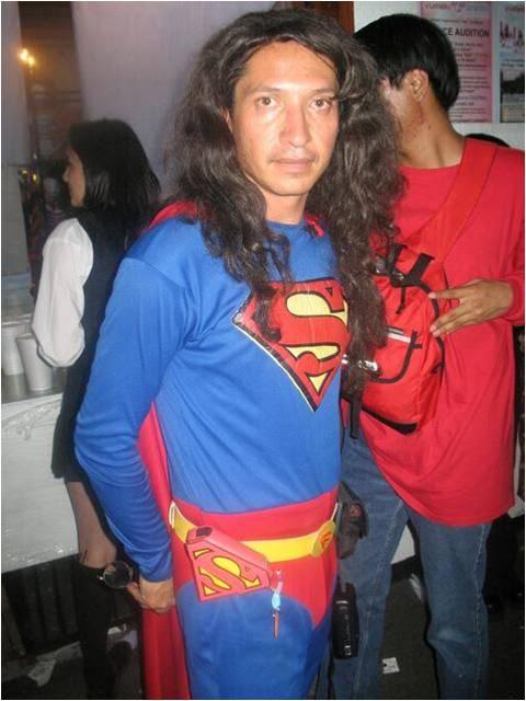 este sexy superman