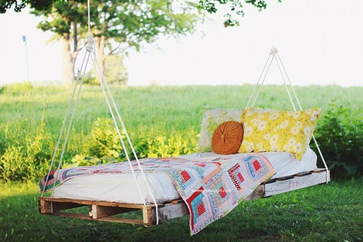 cama mecedora hecha con pallets diy