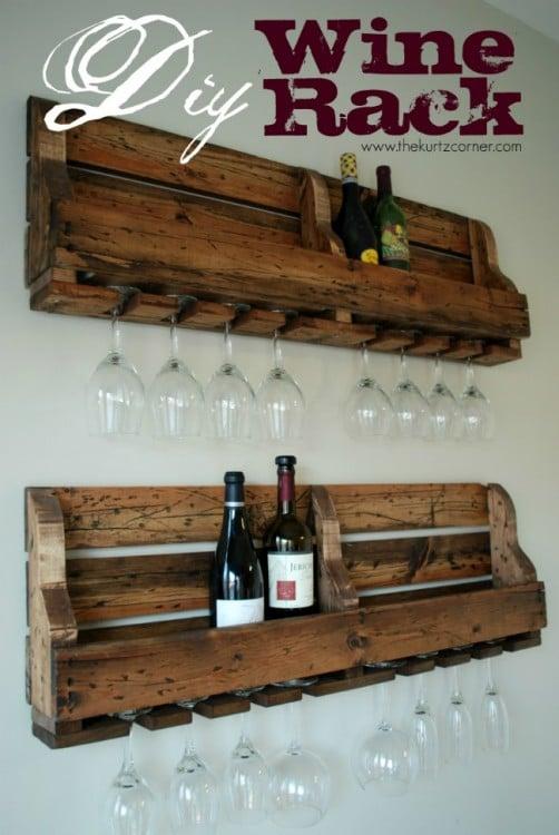 rack para vino con copas con pallet de diy