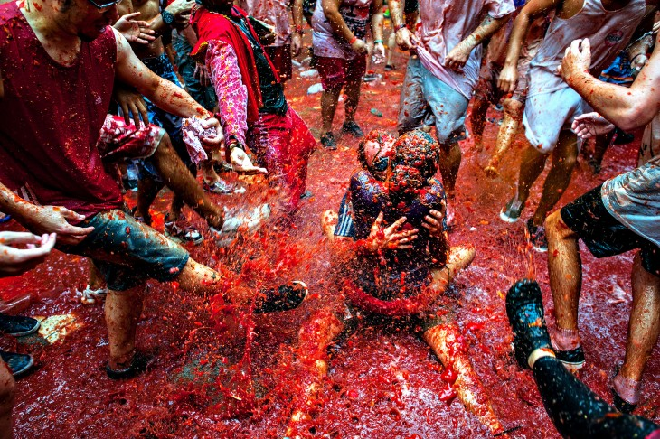 Festival de la tomatina en la ciudad Buñol en España
