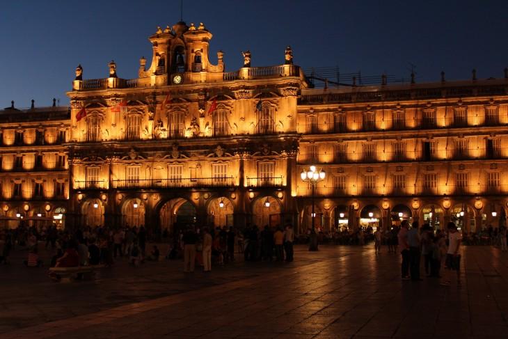 Plaza mayor de Salamanca, España por la noche