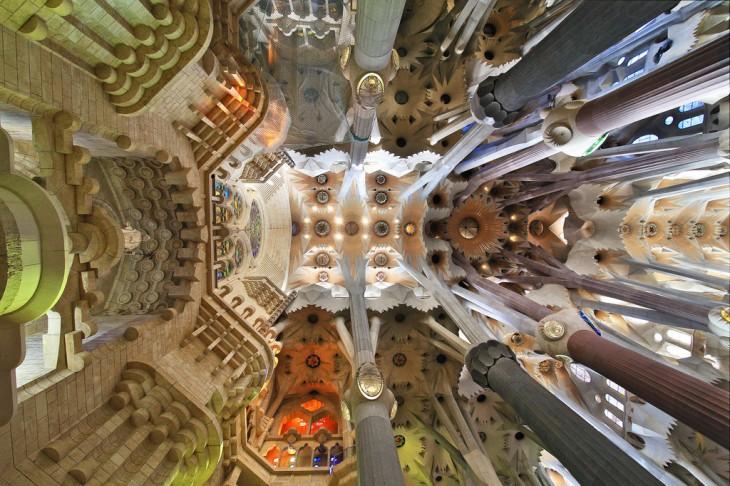 Exterior de la catedral de la Sagrada Familia en Barcelona, España