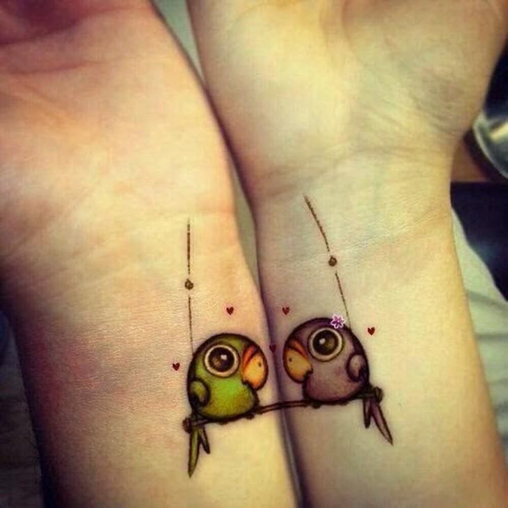 tatuaje para parejas de periquitos del amor