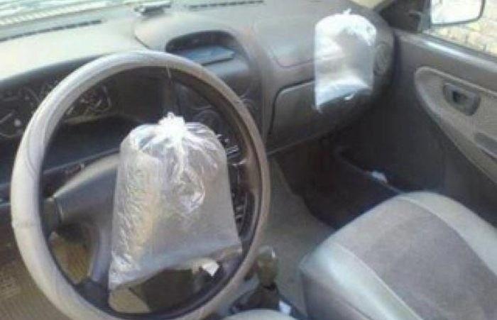 carro con una fallidas bolsas de aire