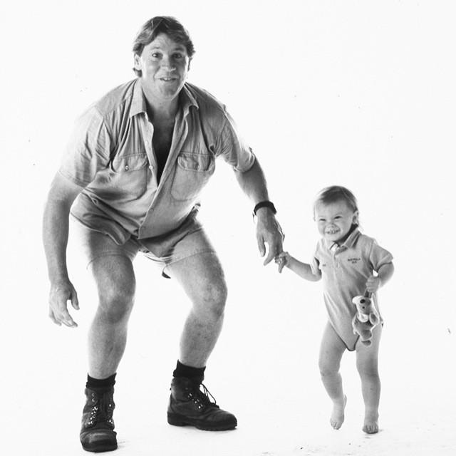 Bindi Irwin de bebé junto a su padre Steve Irwin