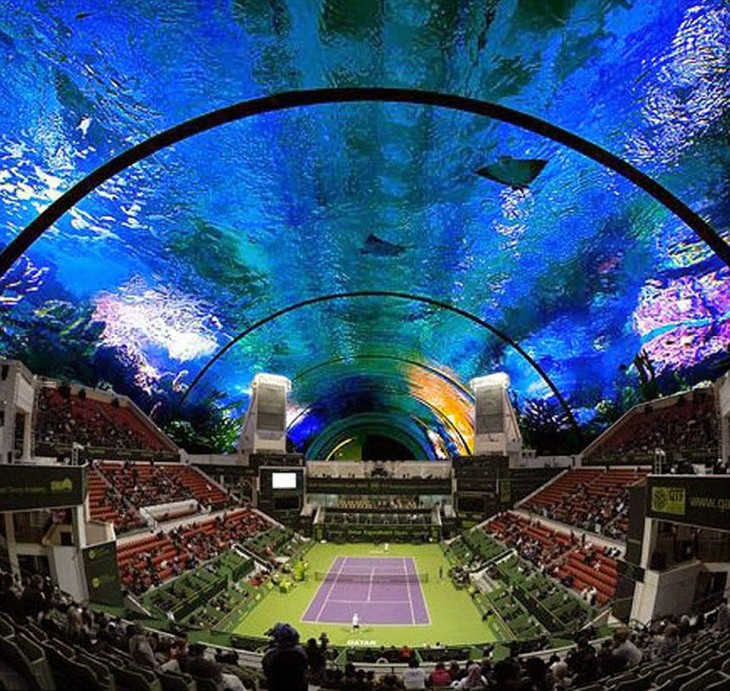 Fotografía que muestra el proyecto de una cancha de tenis debajo del agua en Dubai