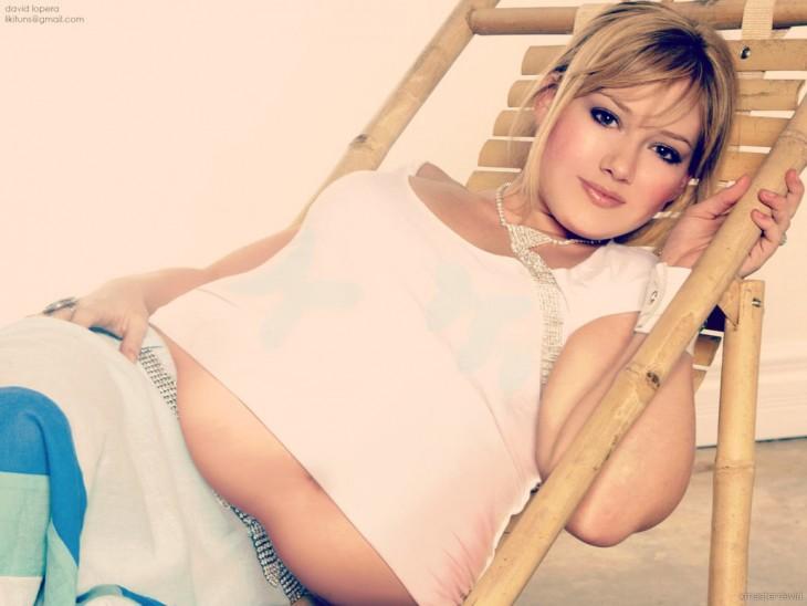 Hilary Duff en photoshop con un poco de sobrepeso