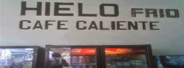 Letrero que dice que venden hielo frió y café caliente