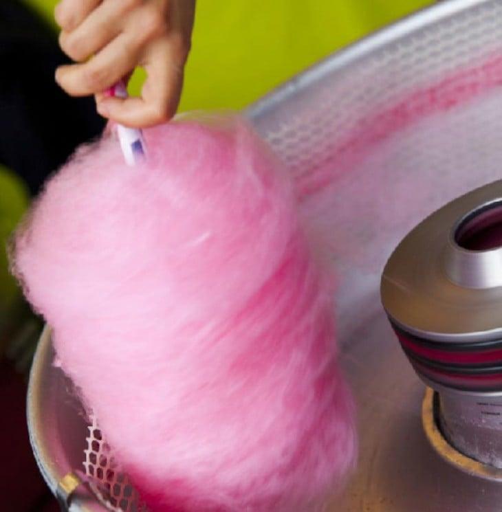 Datos increíblemente extraños e interesantes (Máquina para hacer algodón de azúcar)