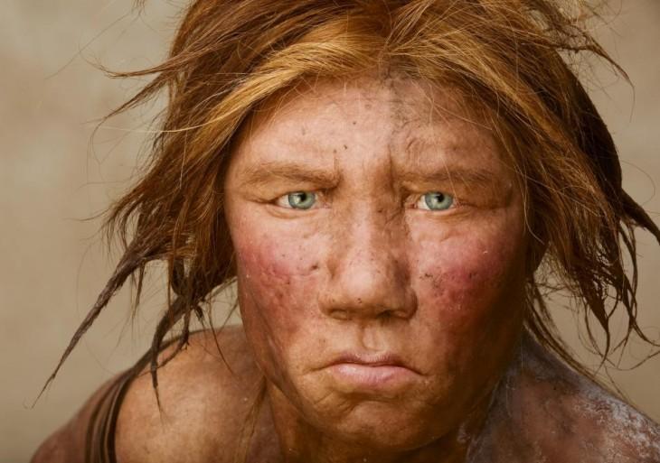 Fotografía de un hombre neandertal