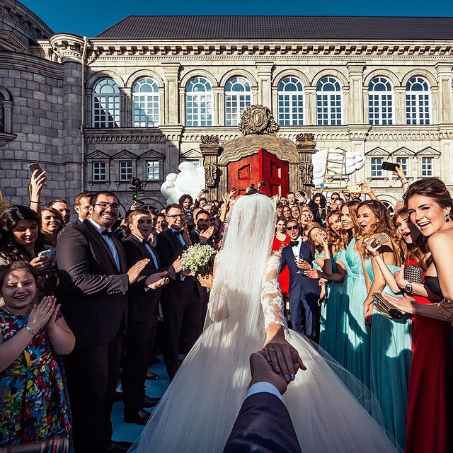 Fotógrafo Murad Osmann siguió a su novia alrededor del mundo