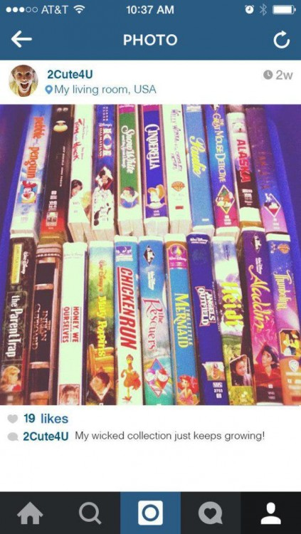 Colección de películas VHS en instagram