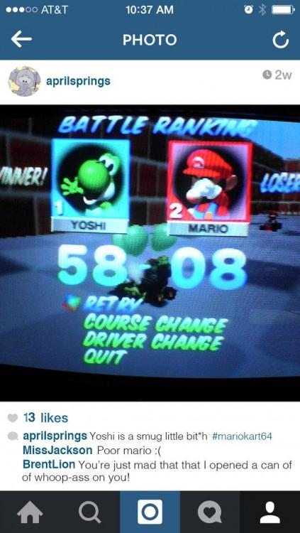 Imagen que muestra una foto de la pantalla de una persona jugando Mario Kart en Instagram