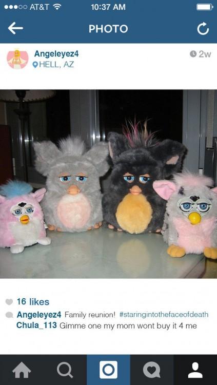 Imagen de los Furbys en Instagram
