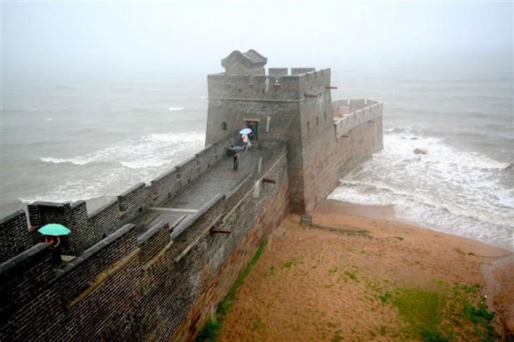 Cabeza del dragón, la muralla china en Shanhaiguan