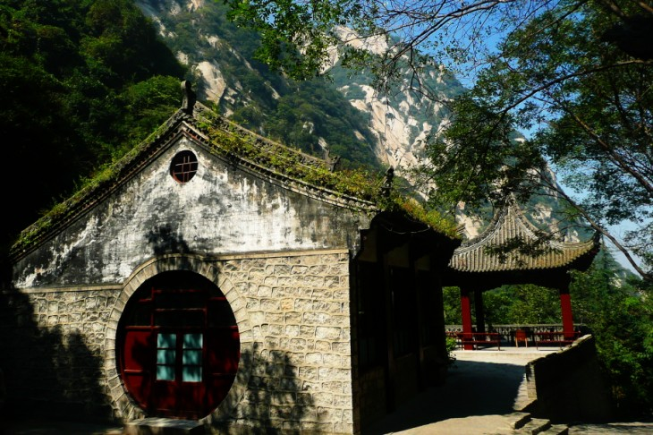 Templo taoista en el monte de Huashan en China