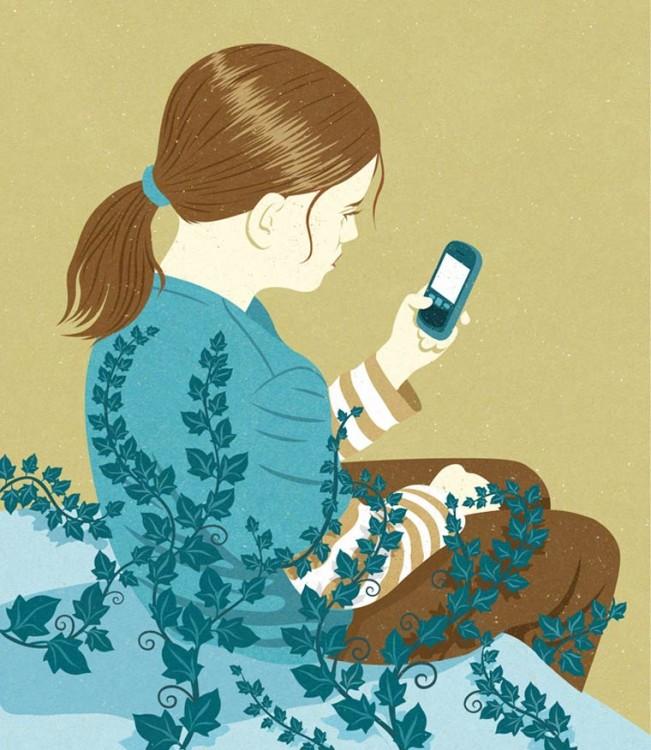 niña con un celular en la mano