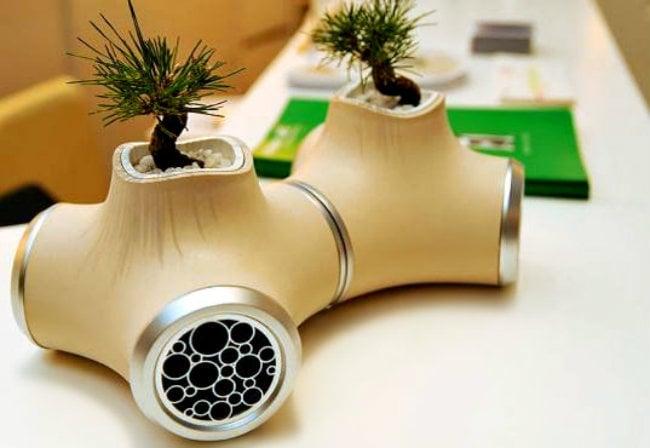 Mini jardín dentro de unas bocinas