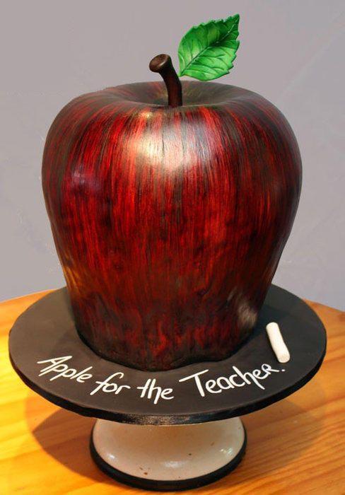 Pastel creativo en forma de manzana