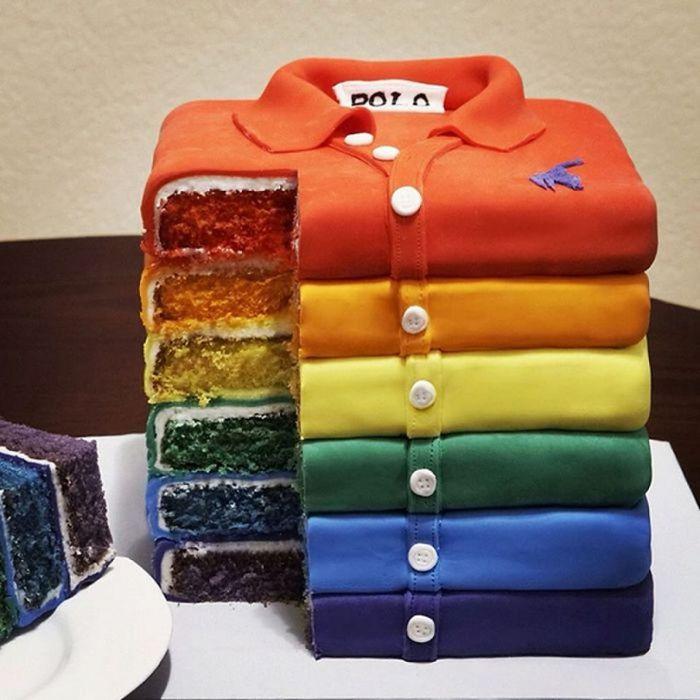 Pastel creativo en forma de camisas tipo polo